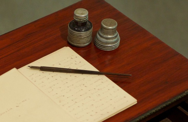 Hearn's favorite pen and ink bottle (collection of Lafcadio Hearn Memorial Museum)